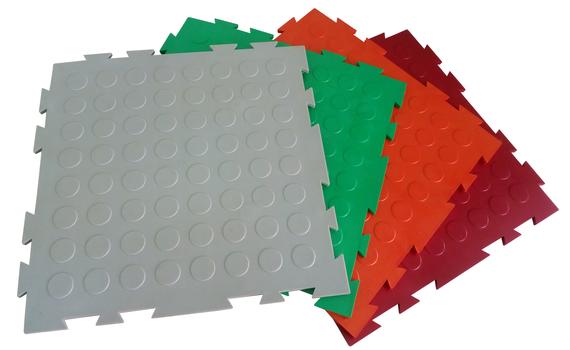 Универсальное напольное пластиковое покрытие